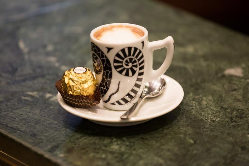 Le proprietà del caffè: quante tazzine al giorno?